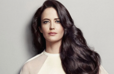 Bond-pike ny talskvinne for  L'Oréal Professionnel